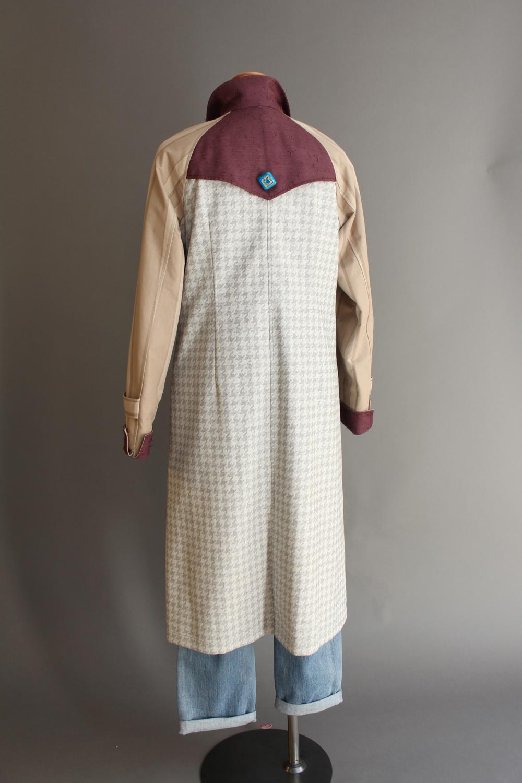 ひげ紬コート・ドレス(後ろ) Hige-tsumugi coat dress (back)